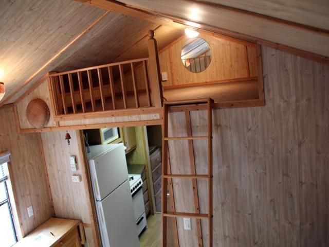 cottage house on wheel mini wooden idea (6)