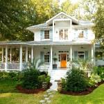 บ้านสองชั้น ออกแบบเรียบง่ายแต่โดดเด่น ให้ทุกคนในครอบครัวอยู่อย่างอบอุ่น