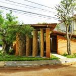 บ้านอนุรักษ์ธรรมชาติ สร้างด้วยไม้ไผ่-ดิน-หิน บนแนวคิด ส่งคืนพื้นที่สีเขียวใจกลางเมือง