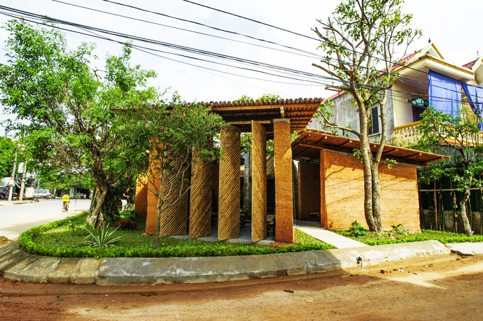 earth stone bamboo eco house in vietnam (1)