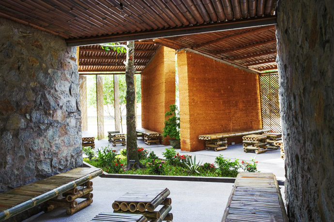 earth stone bamboo eco house in vietnam (11)