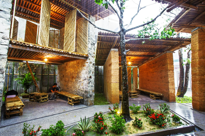 earth stone bamboo eco house in vietnam (13)