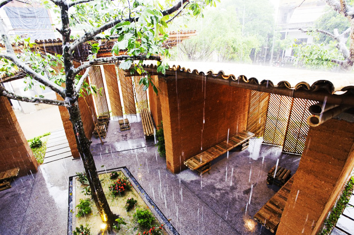 earth stone bamboo eco house in vietnam (21)