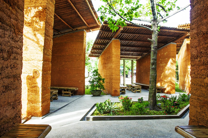 earth stone bamboo eco house in vietnam (29)