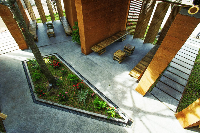earth stone bamboo eco house in vietnam (3)