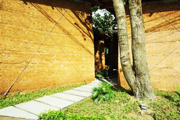 earth stone bamboo eco house in vietnam (31)