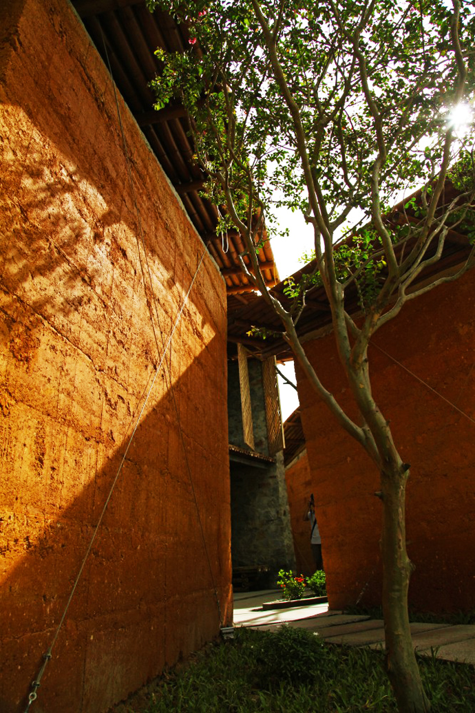 earth stone bamboo eco house in vietnam (6)