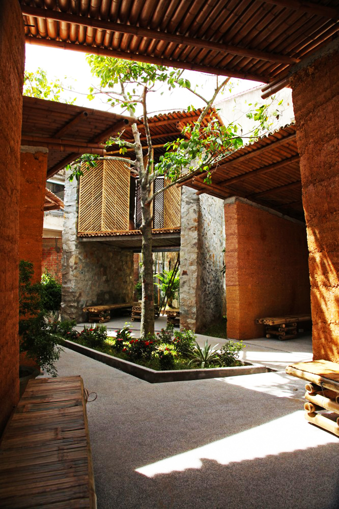 earth stone bamboo eco house in vietnam (8)