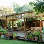 แบบบ้านสวนท่ามกลางธรรมชาติสีเขียว ออกแบบโปร่งโล่ง เหมาะแก่การพักผ่อนในวันหยุด