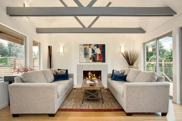 large cottage contemporary style for big family (9)