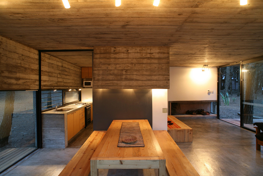 low-costs-and-easy-maintenance-house-design-2