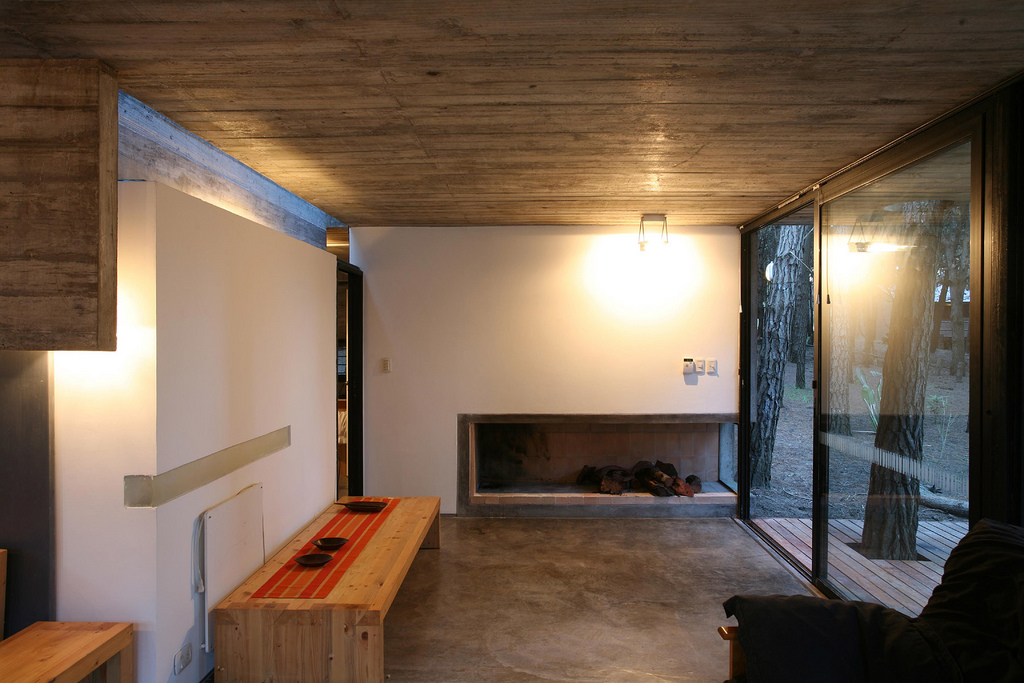 low-costs-and-easy-maintenance-house-design-9