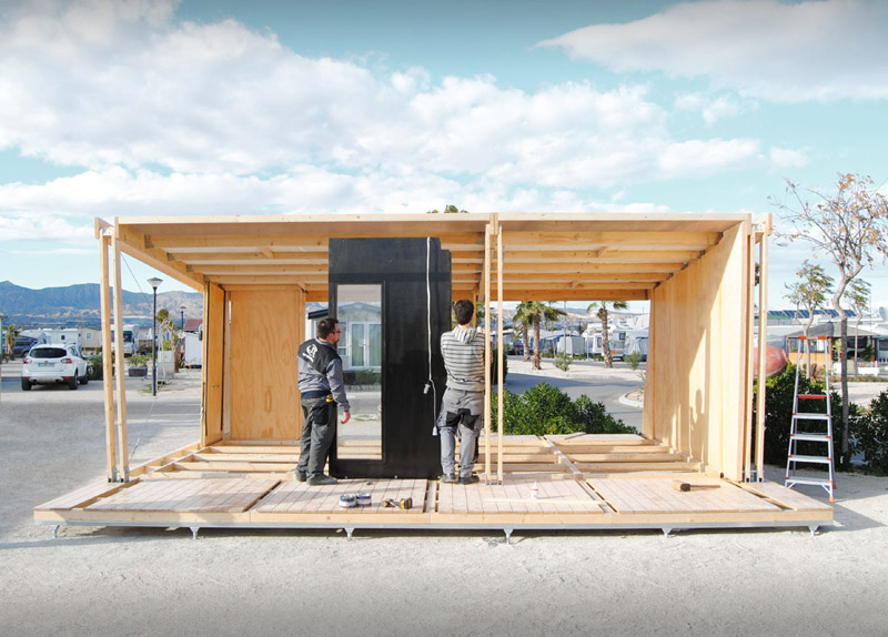 mini compact house wood from spain for living in the future (7)
