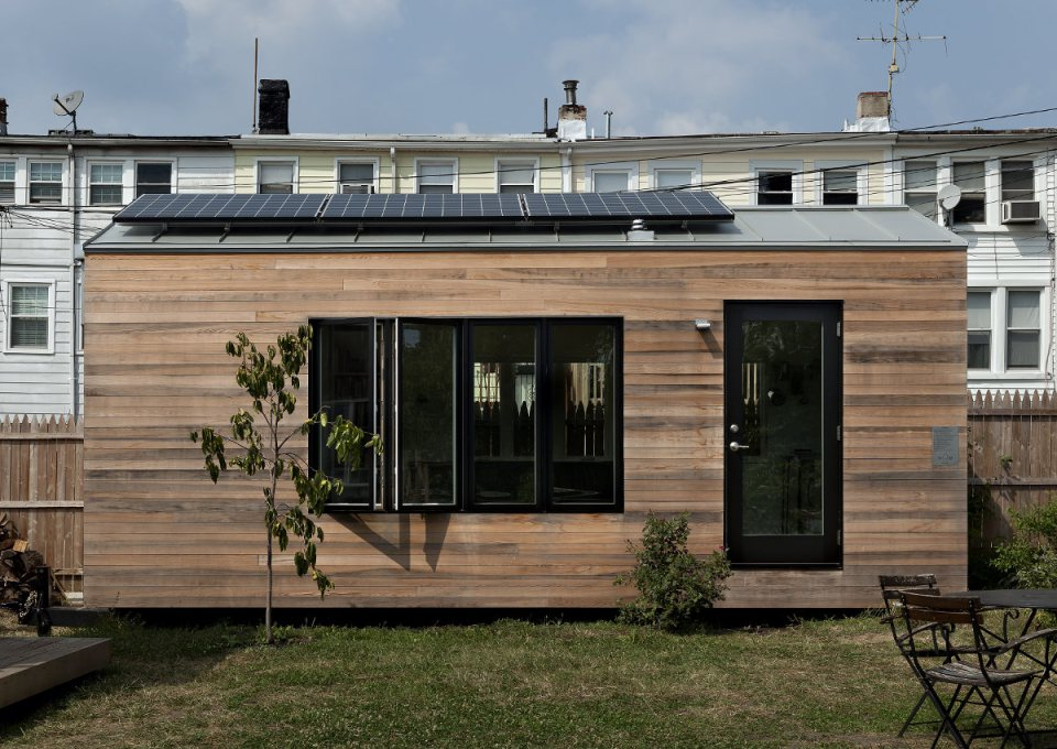 mini house compact for next gen living solar power (3)