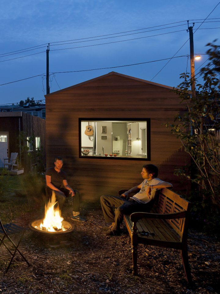 mini house compact for next gen living solar power (5)