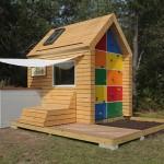 บ้านกระท่อมไม้หลังเล็กๆ ผสมแนวคิดระหว่าง 'บ้าน' และ 'สนามเด็กเล่น' เข้าด้วยกันอย่างดี