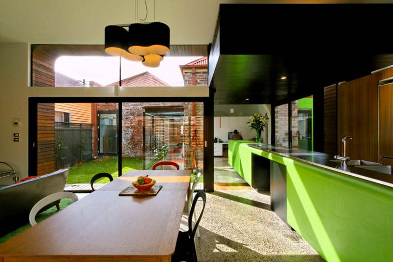 modern box compact house with vivid color in australia (13)
