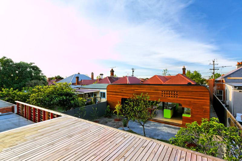 modern box compact house with vivid color in australia (18)