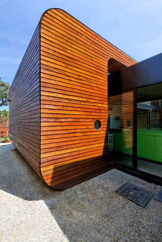 modern box compact house with vivid color in australia (4)