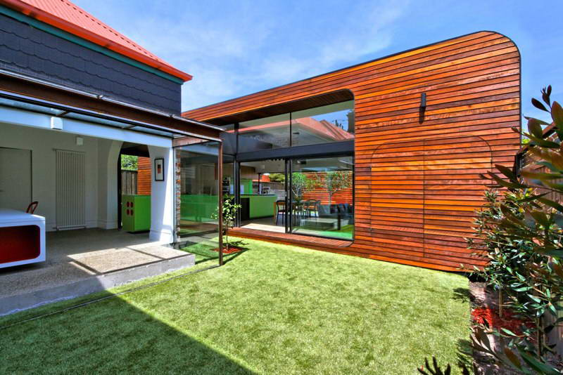 modern box compact house with vivid color in australia (7)