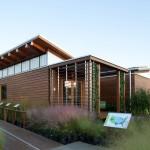 บ้านโมเดิร์นอนุรักษ์พลังงาน เน้นเรื่องแสงสว่าง อากาศไหลเวียน และพื้นที่ธรรมชาติสีเขียว