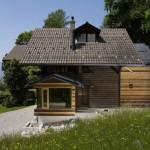 บ้านกระท่อมไม้ ผสมผสานไอเดียโมเดิร์นสมัยใหม่ เข้ากับการออกแบบธรรมชาติดั้งเดิม