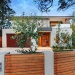แบบบ้านสองชั้นโมเดิร์นร่วมสมัย ออกแบบขนาด 3 ห้องนอน ให้ครอบครัวมีพื้นที่ใช้อย่างสบาย