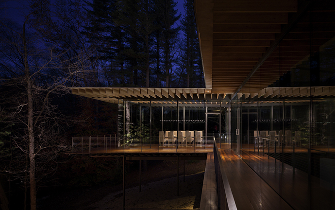 modern glass wall wooden house (15)