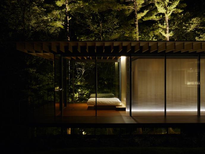 modern glass wall wooden house (9)