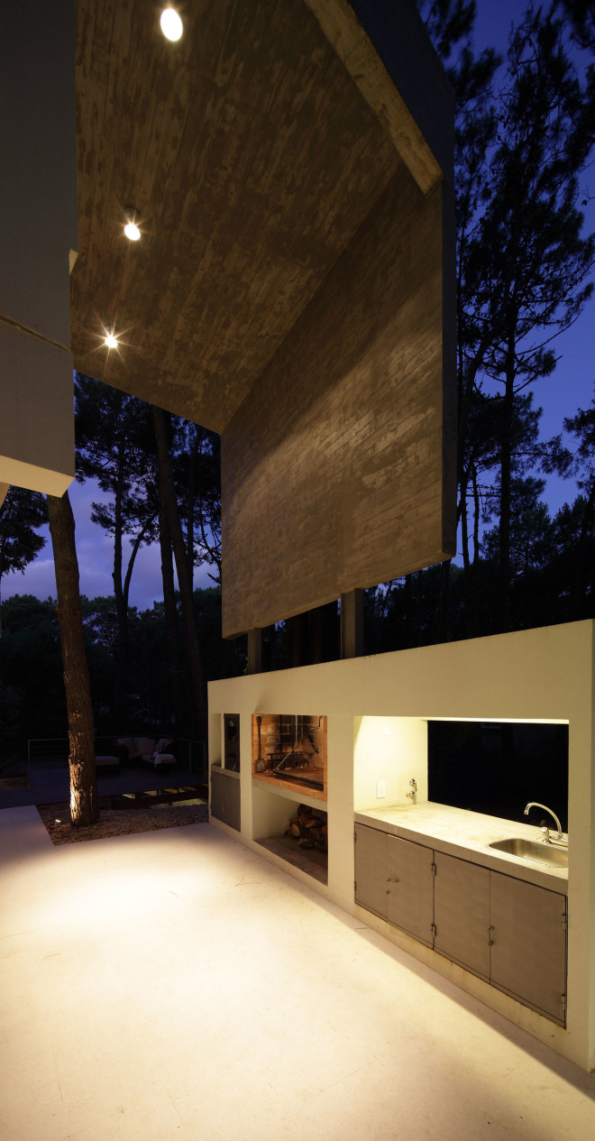 modern house with pool concrete in argentina (16)