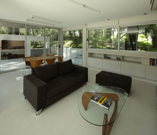modern house with pool concrete in argentina (9)