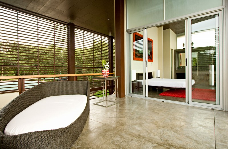 modern house with yard and pool for family to live perfectly (13)