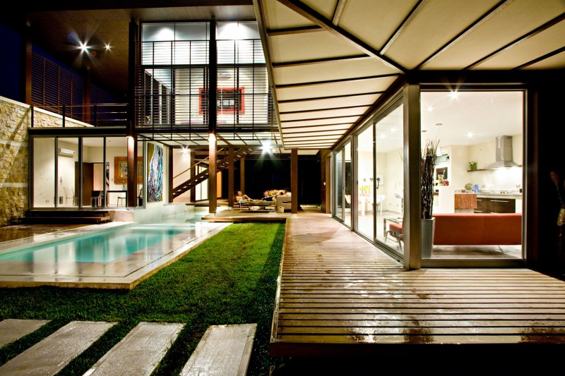 modern house with yard and pool for family to live perfectly (17)