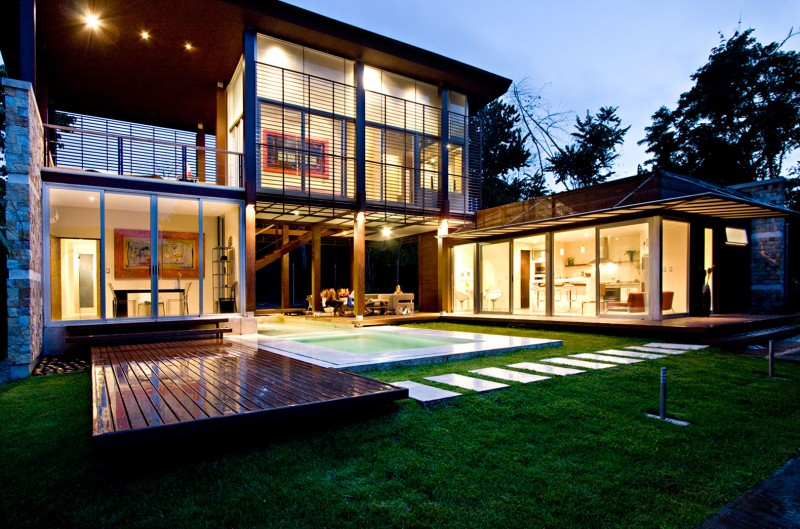 modern house with yard and pool for family to live perfectly (19)