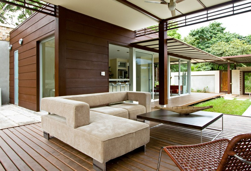 modern house with yard and pool for family to live perfectly (5)