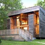 แบบบ้านไม้ทรงกล่อง ภายนอกแต่งให้ดูเก่า ภายในออกแบบสไตล์ลอฟท์ดูโปร่งสบาย