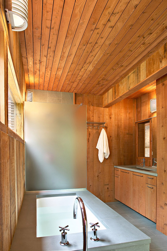 modern loft wooden box house in forest (2)