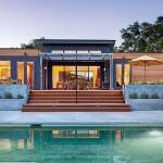 บ้านโมเดิร์นหน้ากว้าง ขนาด 3 ห้องนอน ออกแบบบนแนวคิดทันสมัย ลงตัวทุกการใช้งาน