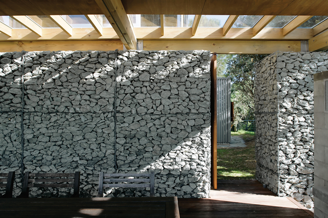 modern tropical wood house envisonment saving solar power (5)