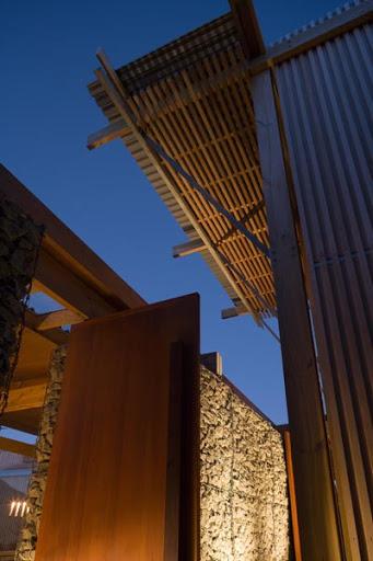 modern tropical wood house envisonment saving solar power (7)