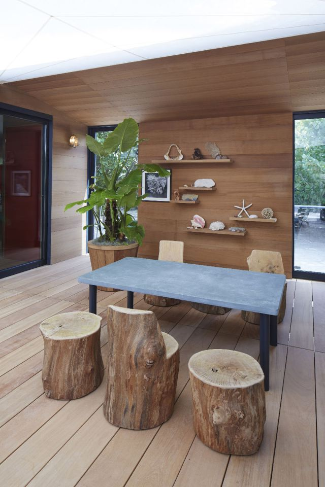 modern tropical wooden box house compact living idea (10)