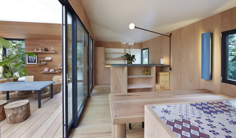 modern tropical wooden box house compact living idea (11)