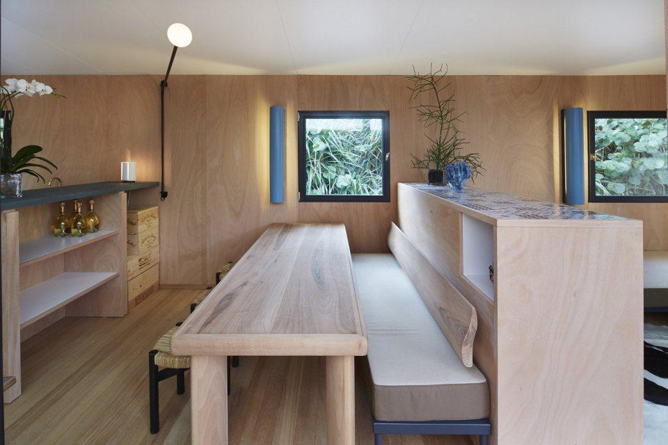 modern tropical wooden box house compact living idea (12)