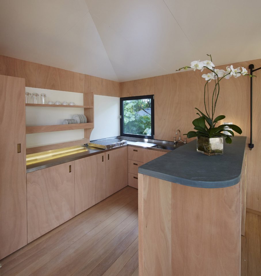 modern tropical wooden box house compact living idea (14)
