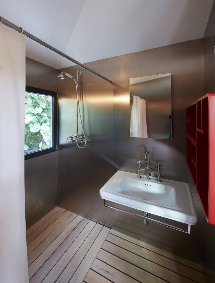 modern tropical wooden box house compact living idea (16)