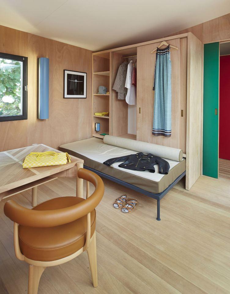 modern tropical wooden box house compact living idea (19)