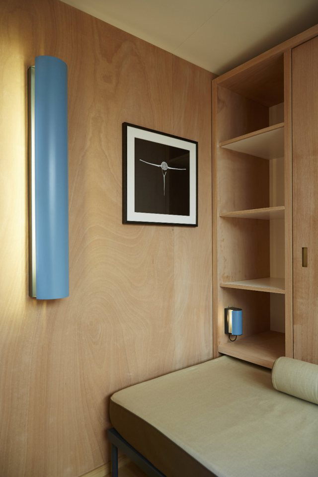 modern tropical wooden box house compact living idea (20)