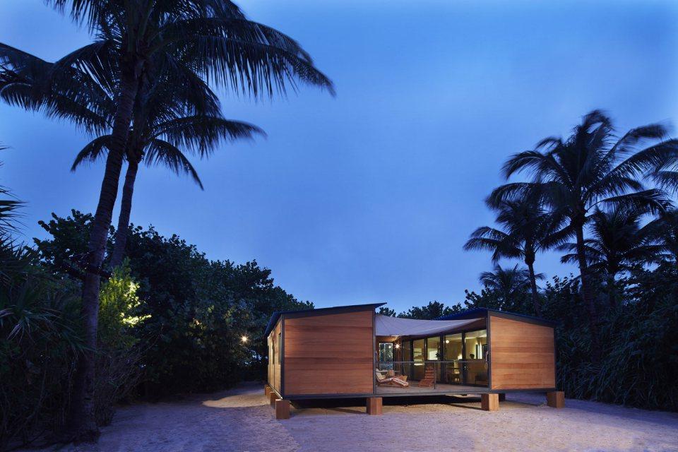 modern tropical wooden box house compact living idea (4)