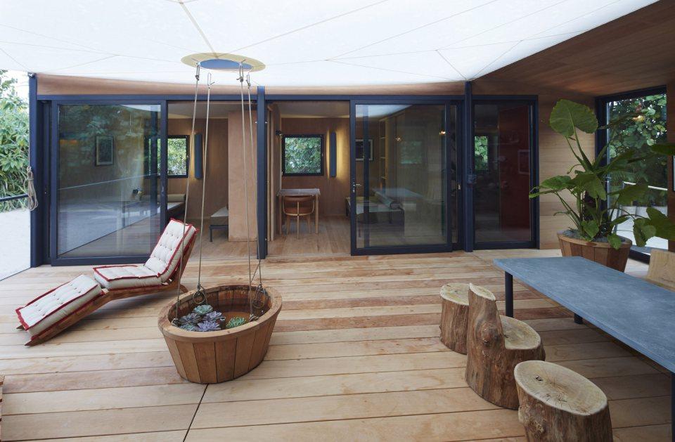 modern tropical wooden box house compact living idea (8)