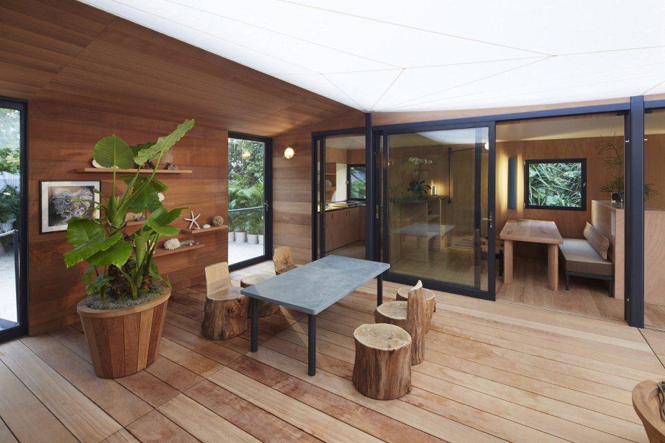 modern tropical wooden box house compact living idea (9)
